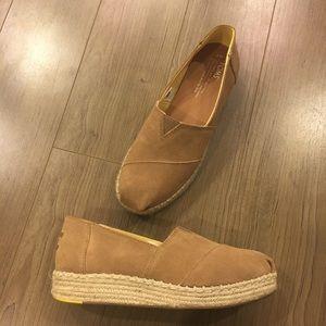 5f79d76d4af9 Toms Shoes - TOMS Platform Alpargata slip-on shoe Toffee Suede